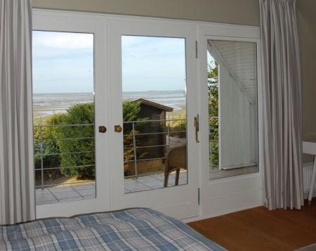 Reetgedecktes Ferienhaus direkt am Strand und Meer
